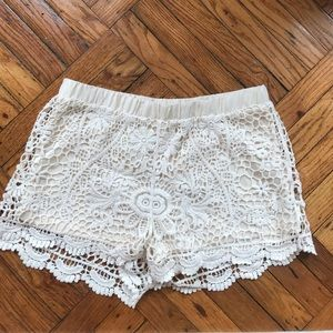 Beautiful Crotchet knit detail shorts